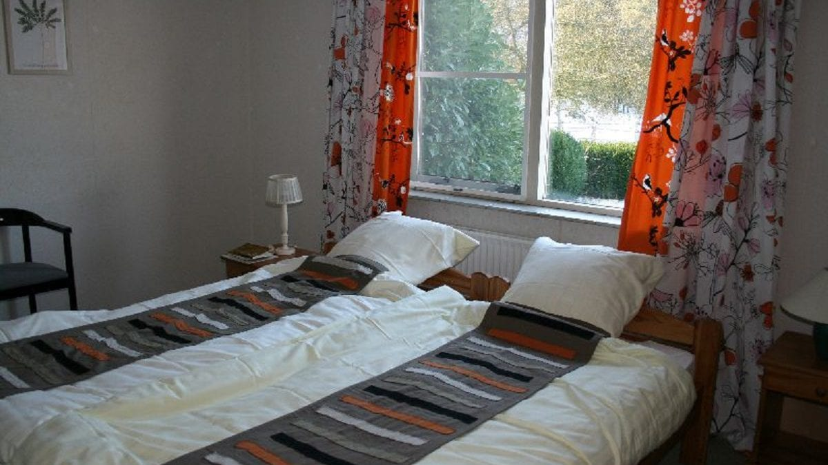 faciliteiten van de vakantiehuis boez ruime woonkamer en woonkeuken 5 slaapkamers